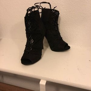 "4"" night out peep toe heels"